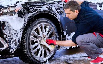 Ruční mytí automobilů vč. čištění interiéru