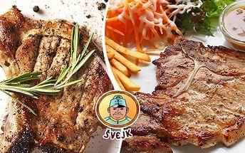 150g šťavnatý steak z vepřové kýty, 150g hranolky, omáčka a salát. Menu pro 1 nebo 2 osoby
