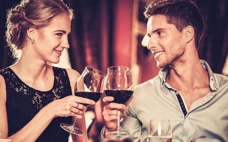 Romantický večer s lahví vína a skvělými sýry