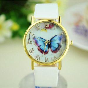 Elegantní hodinky s motýlem