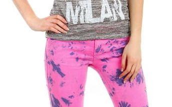 Moderní výrazné kalhoty tmavě růžová