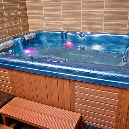 Privátní vířivka a sauna pro 2 - 4 osoby na 90 minut