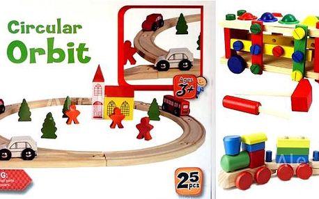 Dřevěné hračky pro kluky, ale i pro holčičky, vláčkodráhy, autodráhy, zatloukadla, podporujte děti v jejich fantazii, dřevěné hračky pomáhají dětem uvědomovat si i jiný materiál, u nejmenších dětí přispívají k rozvoji hmatu a učí se barvy, jemnou motoriku