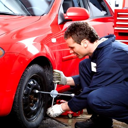 Přezutí všech kol na osobním voze + možnost montáže a demontáže pneumatiky z disku, Praha 4