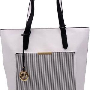 Pabia - Dámská taška s pruhy v černo-bílém provedení BAG7670-020