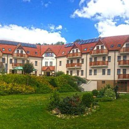 Hotel Inge*** u hradu Hasištejn s bazénem a bowlingem