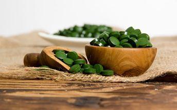 Zdravé superpotraviny: Maca BIO, Chlorella Japan nebo BIO RAW mladý ječmen vč. pošty