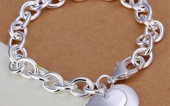 Dámský náramek se srdci ve stříbrné barvě - poštovné zdarma