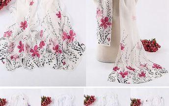 Bílý jemný šátek s barevnými květinami