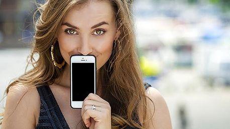 Univerzální příslušenství k mobilním telefonům: kryt, pouzdro nebo držák do auta