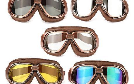 Motocyklistické brýle s různými barvami skel