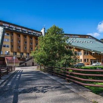 Podzimní wellness pobyt v Harrachově pro 2 osoby v Hotelu Fit Fun*** + 2 děti do 10 let zdarma včetně polopenze a vstupu do bazénu