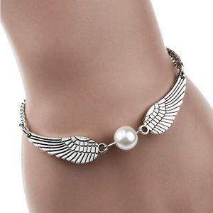 Dámský náramek s andělskými křídly a perlou - skladovka - poštovné zdarma