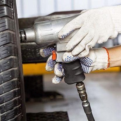 Servis pneumatik automobilu pro bezpečnou jízdu