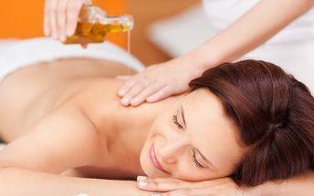 Relaxační uvolňující masáž zad a šíje s aroma oleji