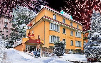 6denní silvestrovský nebo vánoční pobyt pro 2 v Mariánkách v hotelu Villa Skalník***