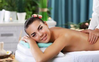 Relaxační masáž lávovými kameny a aroma oleji