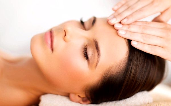 Regenerační a omlazující péče o pleť vč. masáže