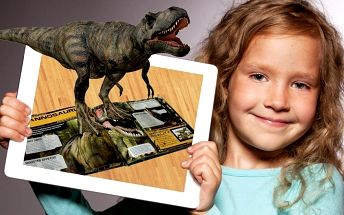 Báječné knihy s rozšířenou realitou představují vesmír či dinosaury
