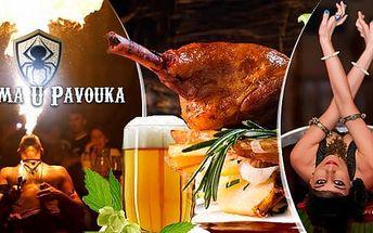 Středověké 5chodové menu: vepřové koleno či kachna, neomezené nápoje a 2,5h. show v Celetné