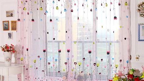 Záclona s motivy balonků a kytiček