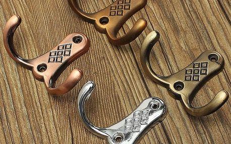Kovový držák na zavěšení oblečení - 2 barvy