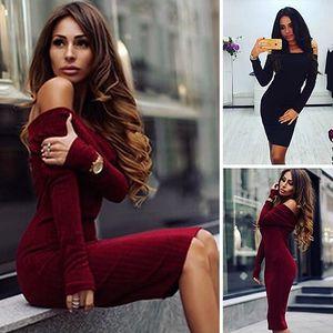 Úpletové šaty s odhalenými rameny Danielle