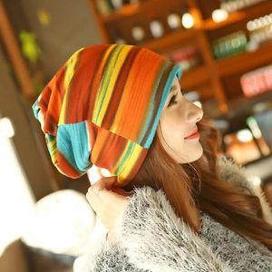 Dámská čepice v živých barvách