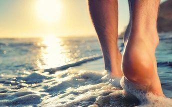 Mokrá pedikúra pro pány s mořskou solí