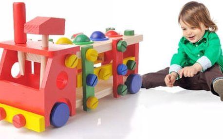 Barevné dětské dřevěné auto s kladívkem a šroubovákem