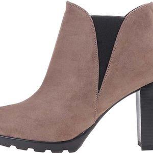 Světle hnědé boty na podpatku OJJU