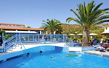 Hotel Zefiros Beach, Řecko, Samos, 8 dní, Letecky, Polopenze, Alespoň 3 ★★★, sleva 21 %, bonus (Levné parkování u letiště: 8 dní 499,- | 12 dní 749,- | 16 dní 899,- )