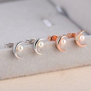 Náušnice v podobě měsíce s umělou perličkou - poštovné zdarma