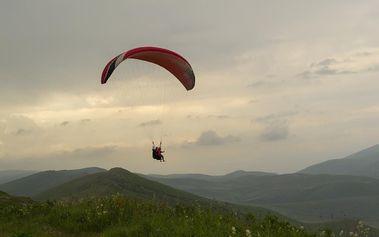 Tandem paragliding, 15 minut pro jednoho v Královehradeckém kraji