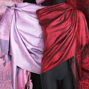 Kašmírová šála: jemný vzor, různé barvy na výběr + poštovné zahrnuto v ceně