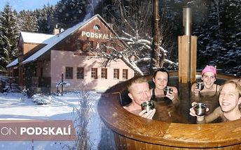 Adršpašské skály, 3-4 dny pro dva: polopenze, sauna, romantická koupel pod širým + svařák