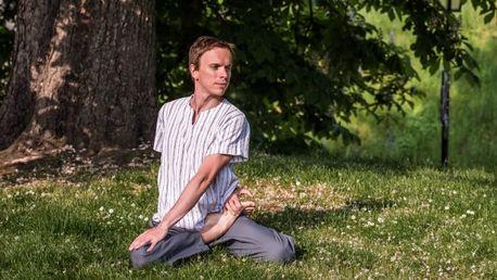 90minutová dynamická jóga se zkušeným lektorem