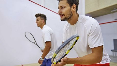 Hodina squashe pro 2 osoby v centru Brna