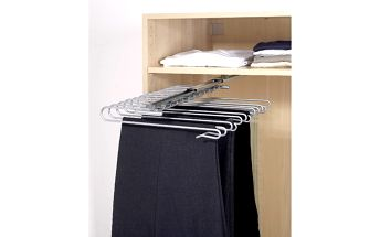 Vysouvatelný věšák na kalhoty Wenko Wardrobe
