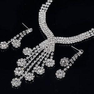 Štrasová bižuterie – náhrdelník a náušnice