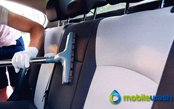 Vyčištění interiéru vozu včetně tepovaní od MobileWash v Praze