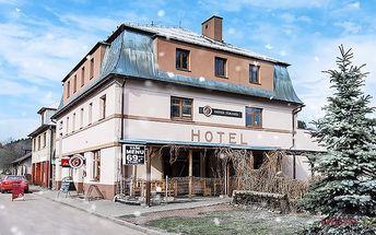 Vánoční nebo silvestrovský pobyt pro 2 v Orlických horách v hotelu Eduard