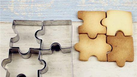 Sada 4 vykrajovátek v podobě puzzle