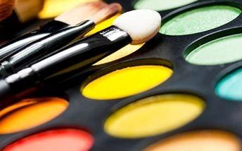 Barevná typologie + dárek závěrečné lehké líčení v pražském salonu, téměř 2 hodiny barevných info.
