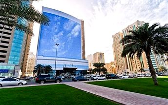 Dubaj, Spojené Arabské Emiráty, hotel Hilton Sharjah, letecky, snídaně v ceně