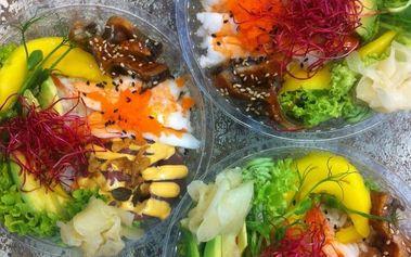 Asijská pochoutka ze sushi rýže s sebou