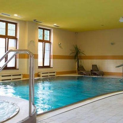 2hodinový vstup do moderního wellness centra v hotelu Pod Kyčmolem pro 1 osobu