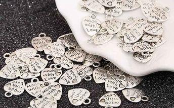 Sada vintage přívěsků ve tvaru srdce - 50 kusů