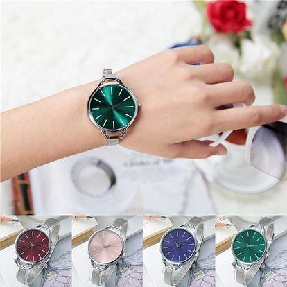 Dámské hodinky s jednoduchým ciferníkem a úzkým páskem