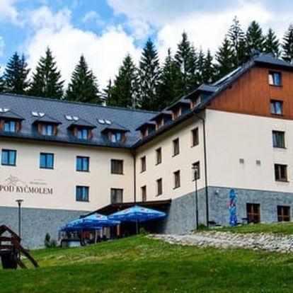 Neomezený vstup do wellness a polopenze pro dva v oceněném 4* hotelu Pod Kyčmolem